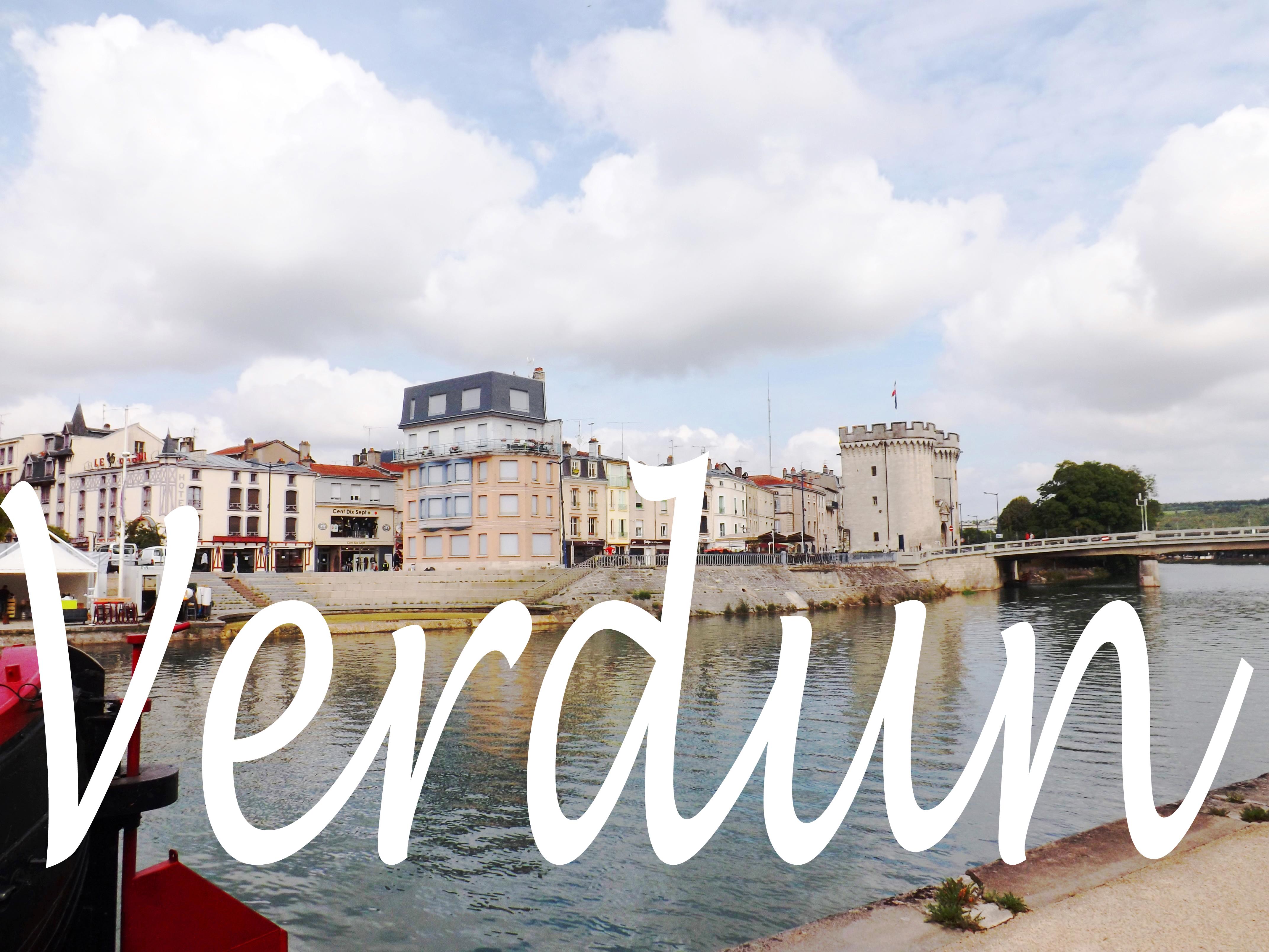 Verdun une jolie petite ville travers e par la meuse for Piscine de verdun