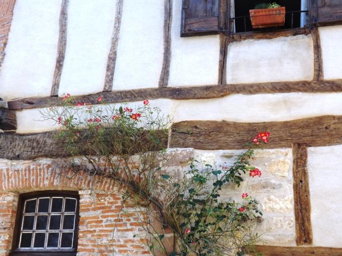 façade fleurs