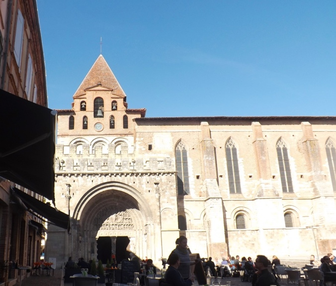 abbaye depuis la place