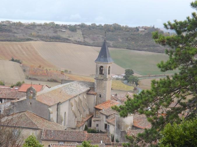 vue sur le clocher de l'église de lautrec