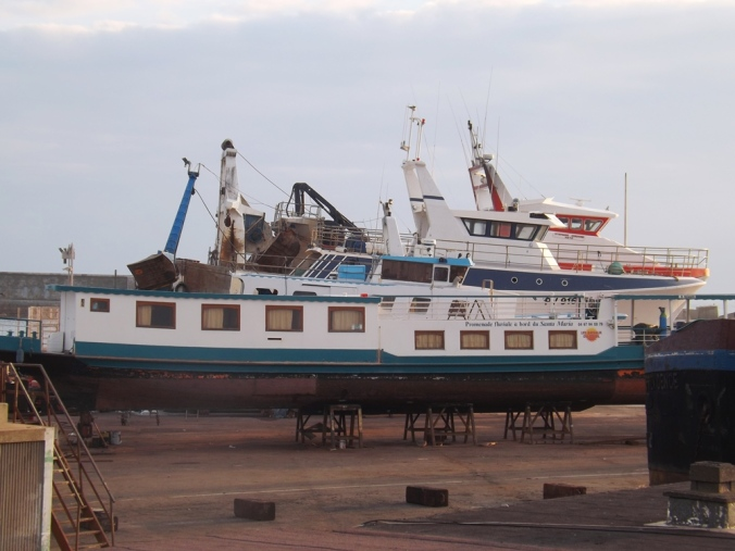 bateaux sur cale mole st louis sete