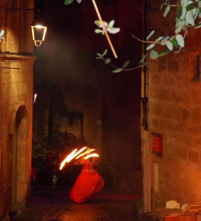 dame de coeur et batons de feu noel au pays des merveilles pezeans 2015