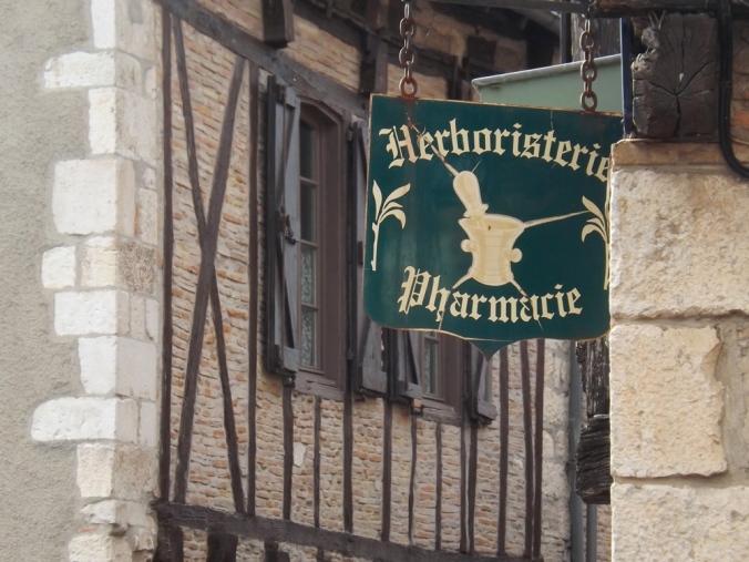 enseigne herboristerie de Castelnau de Montmiral