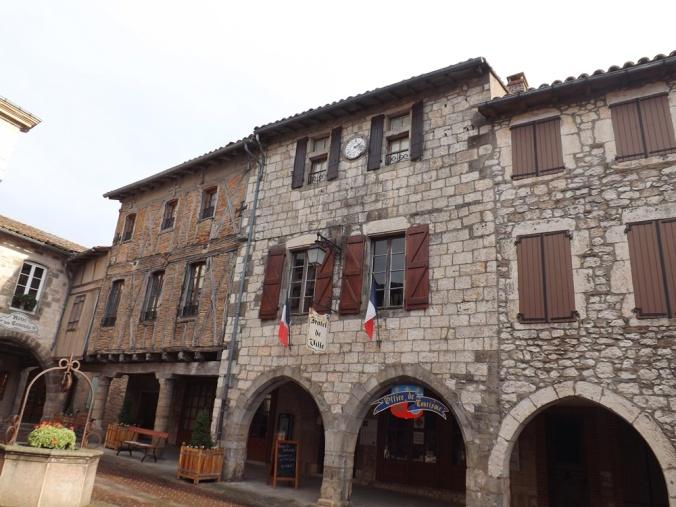 hôtel de ville de Castelnau de montmiral