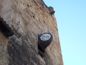 horloge facade villefranche de conflent