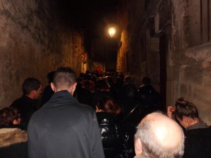 la foule dans les rues du coeur historique pezenas nadal 2015