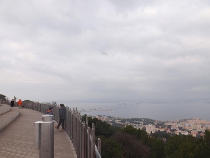 la vue a gauche de la ville de sete depuis le belvedere
