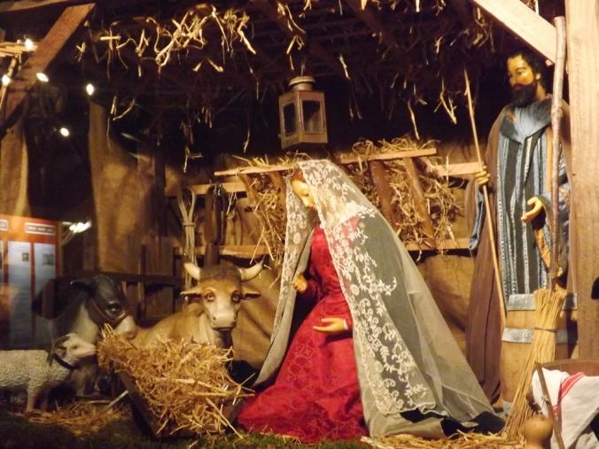 Marie et Joseph crèche de Noël collegiale st jean peznas