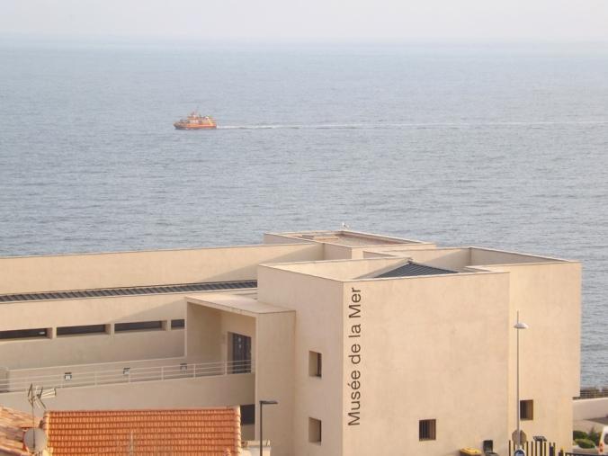 musée de la mer a sete depuis le cimetiere marin