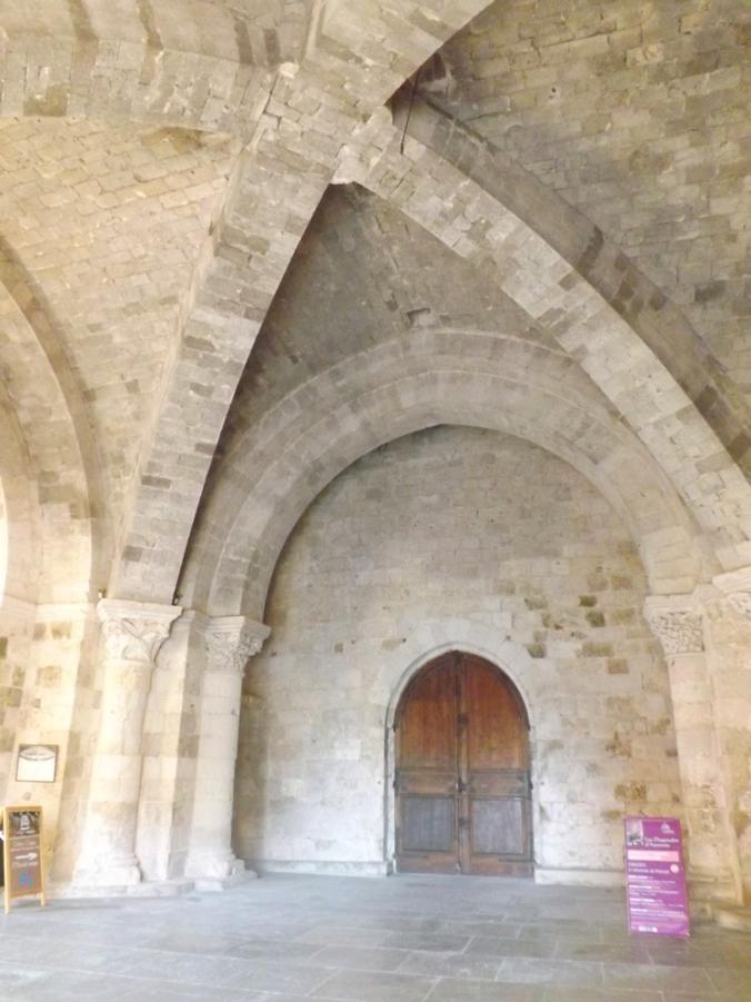 niveau inférieur du clocher-porche de l'abbaye st pierre a moissac