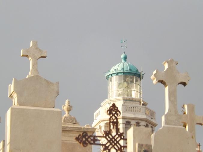 phare du mont st clair sète et croix du cimetière marin