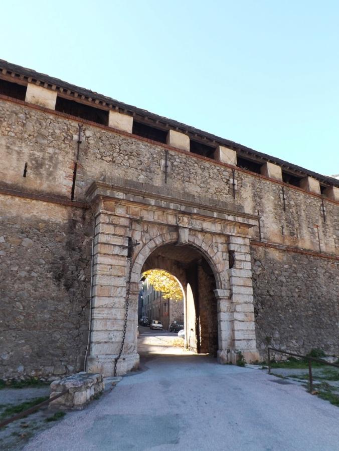 porte menant à l'intrieur de Villefranche de Conflent