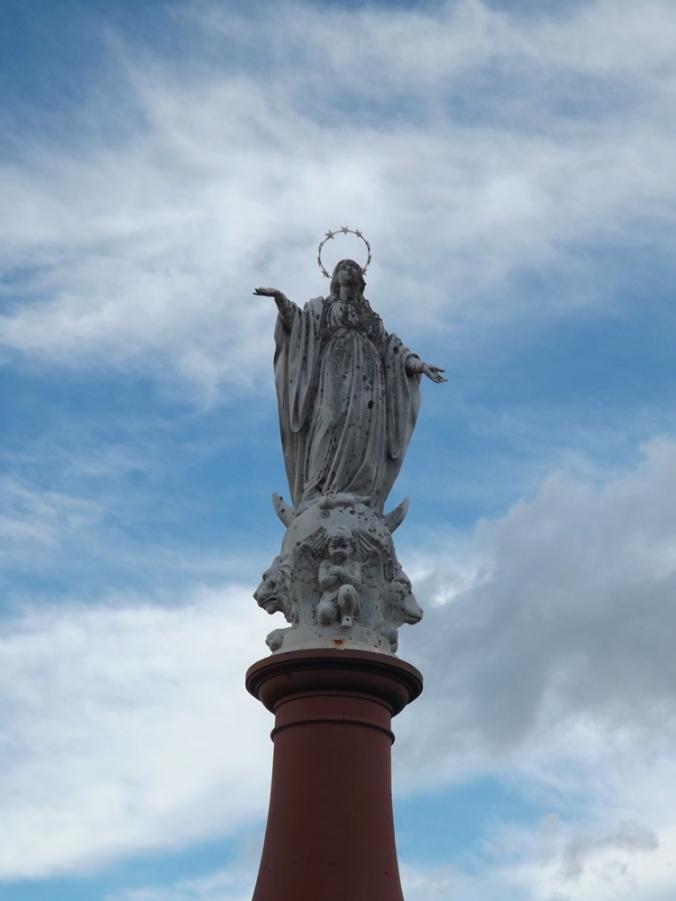 statue de la Vierge au Pechmiral de Castenau de Montmiral