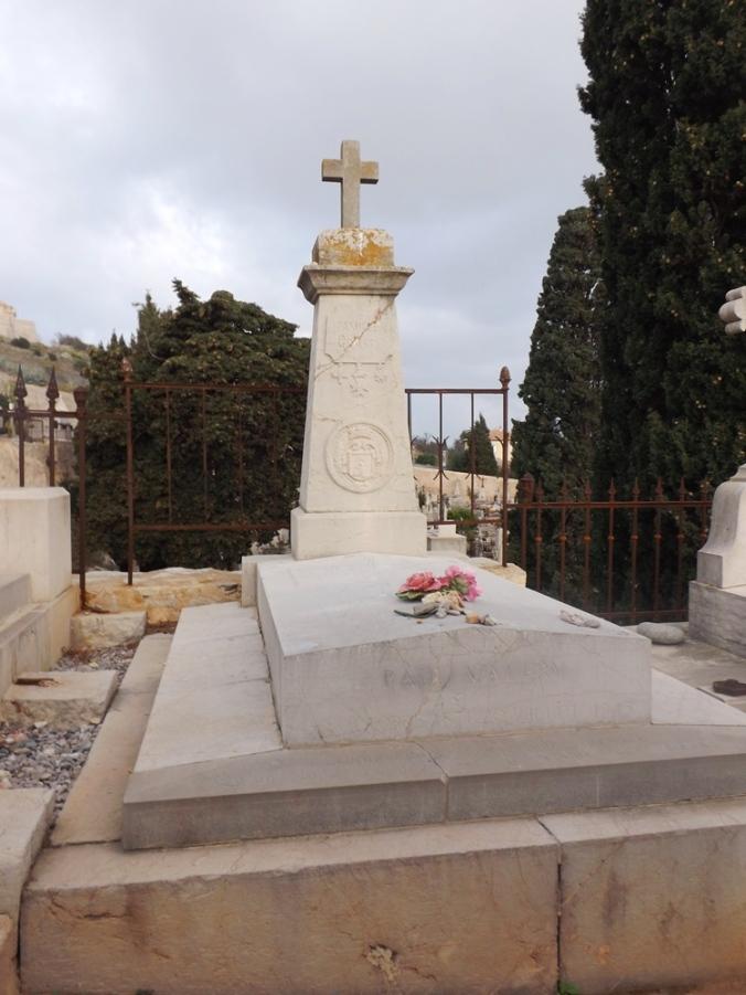 tombe de Paul Valéry cimetiere marin de sete