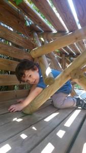 Matthieu franchit un obstacle au parc Teraventure