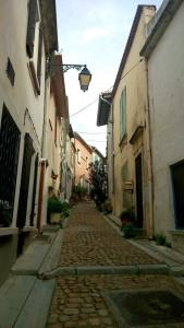 petite rue arles