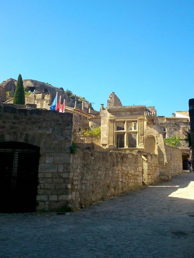 rue dans les baux de provence