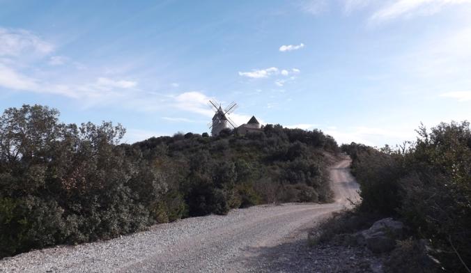 les moulins de faugères depuis le sentier à faugeres