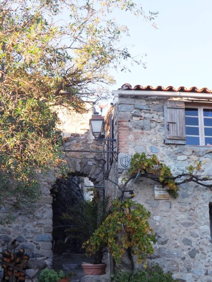 maison en pierre Eus