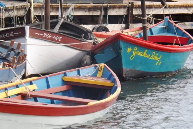 barques colorees port de Bouzigues