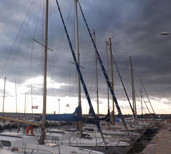bateaux dans le petit port de Bouzigues