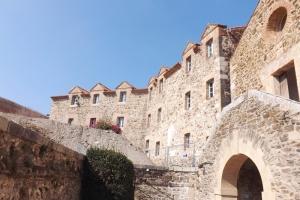 cour interieur du chateau royal a collioure