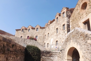 cour interieur du chateau royal a collioure