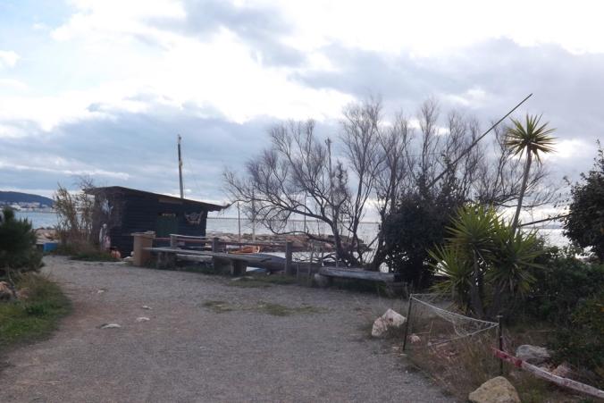 derrière le ponton ancien port de Bouzygues
