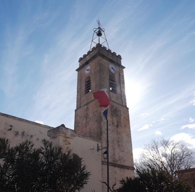 eglise et monument aux morts de Bouzigues