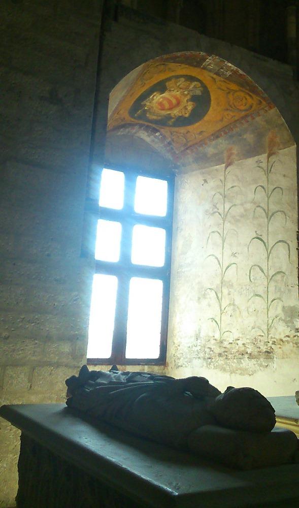 gisant sarcophage pape palais des papes avignon