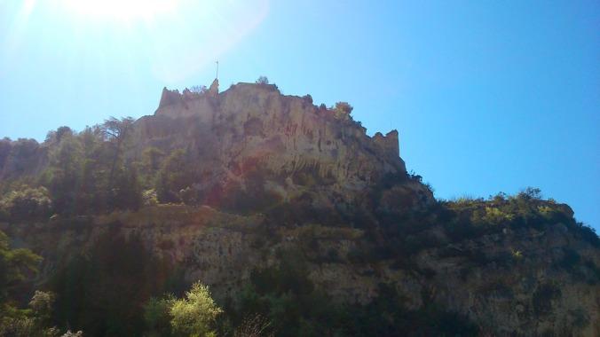les ruines du chateau de Fontaine de Vaucluse