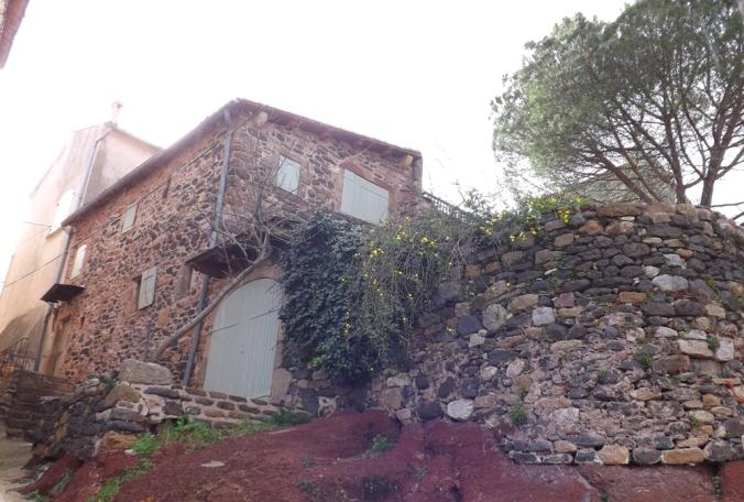 maison dans le village d'Octon