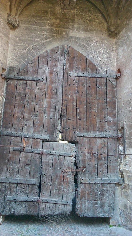 porte en bois palais des papes avignon