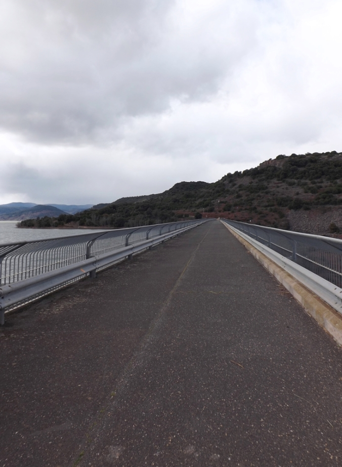sur le barrage du Salagou