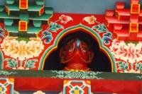détail fronton porte du temple de lerab ling