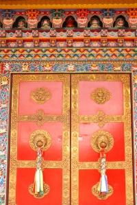 porte du temple de Lerab Ling