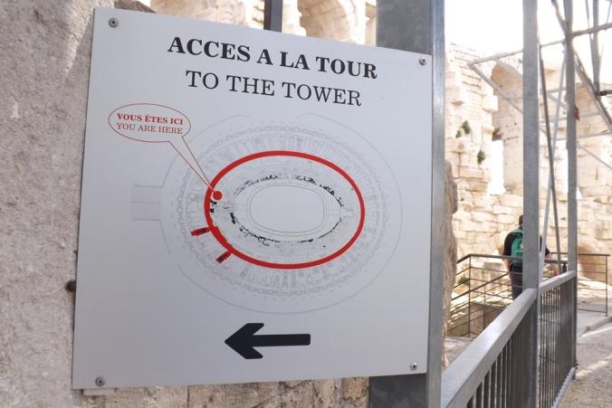 acces a la tour amphitheatre arles
