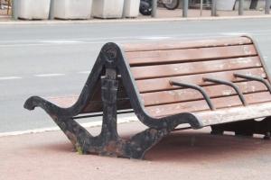 banc sur le vieux port de marseille