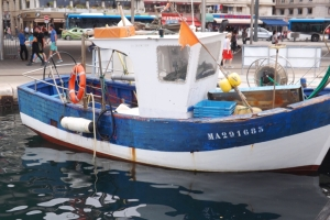 barque de peche vieux port marseille