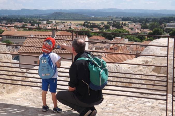 fred et matthieu au sommet de la tour de l'amphitheatre d'arles