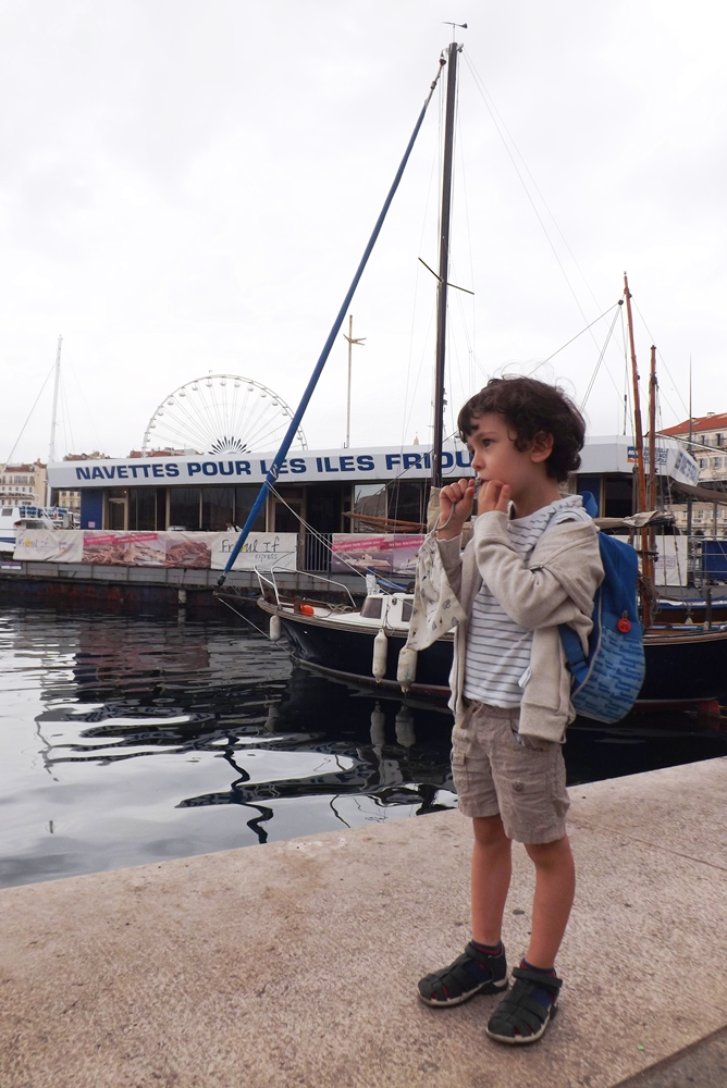 matthieu devant embarcadere iles du frioul marseille