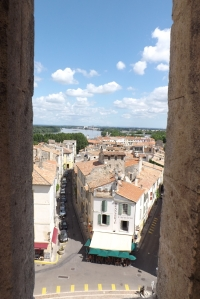 vue sur le rhone depuis la tour de l'amphitheatre d'arles