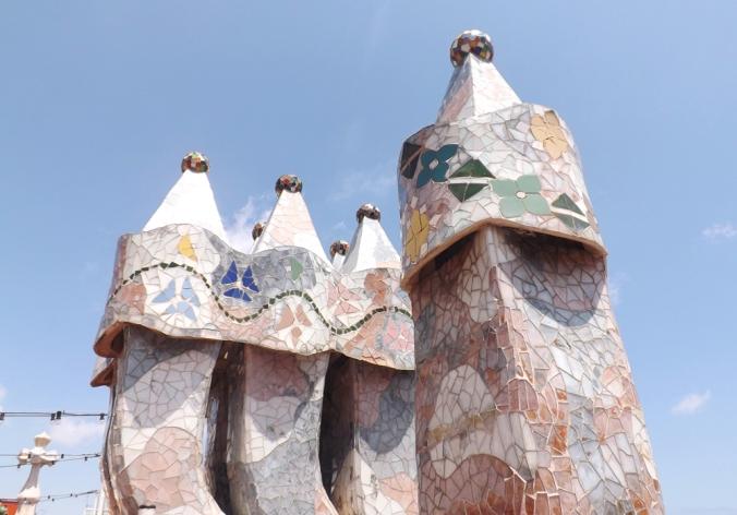 cheminees toit casa batllo