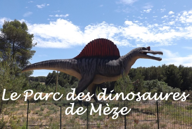 dinosaure visible depuis la route parc dinosaures meze