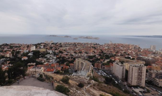 vue sur marseille et les iles du Frioul depuis notre dame