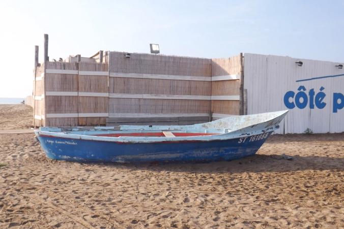 barque cote plage