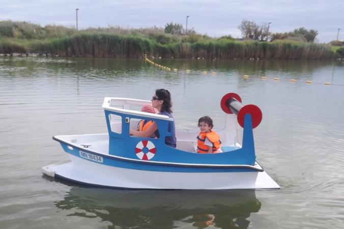 bateau bleu