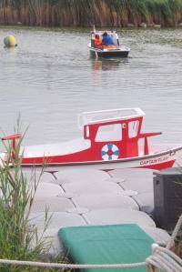 petit bateau rouge