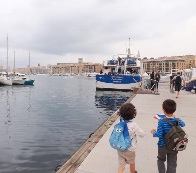 avant-embarquement-bateau-vieux-port-marseille