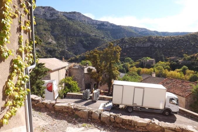 camions-tournage-film-hameau-de-navacelles